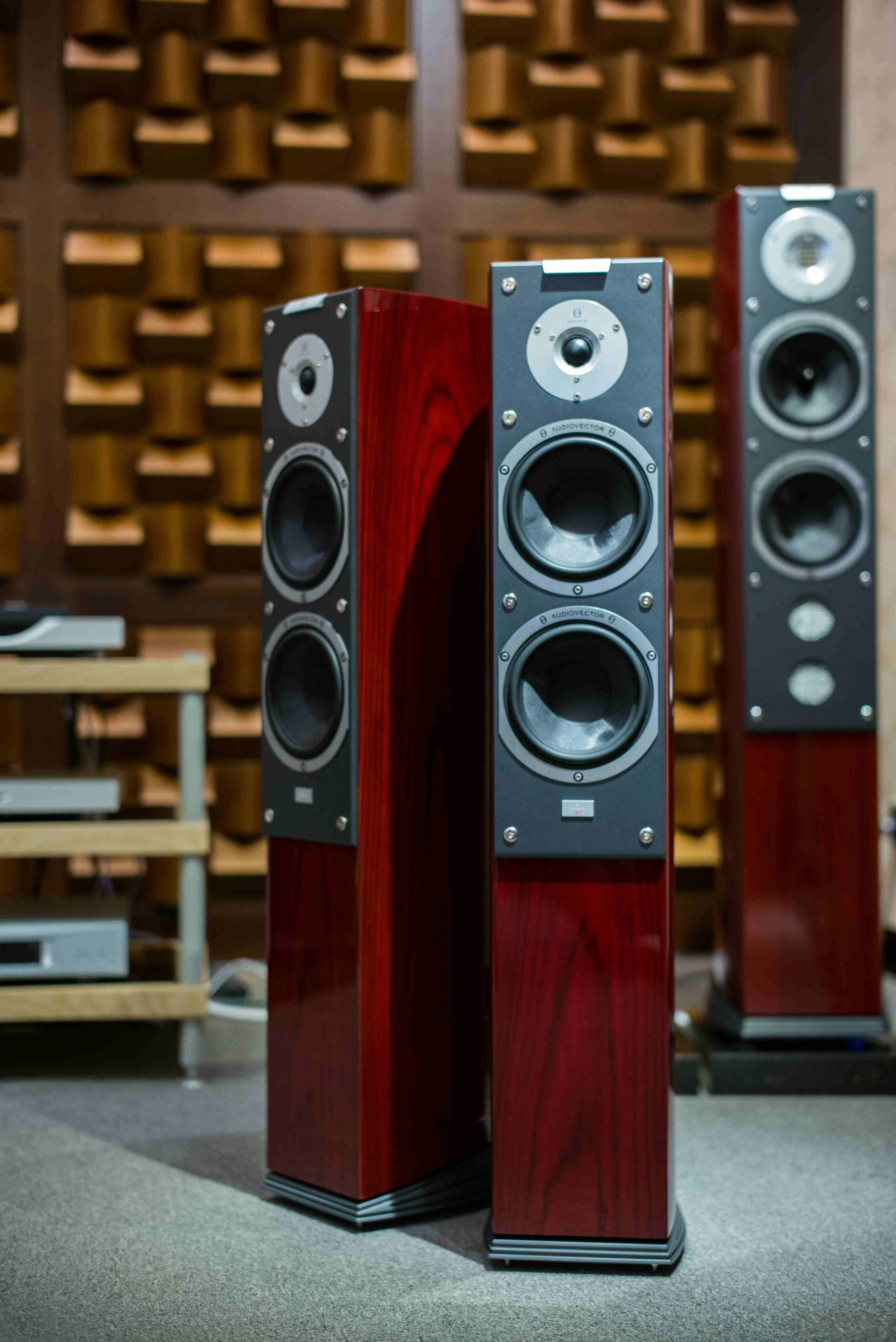 f&d tower speakers